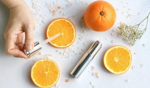vitamin c trắng da trị thâm nám