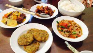 Món ăn phong phú ngon lành tại cơm Phố Cổ