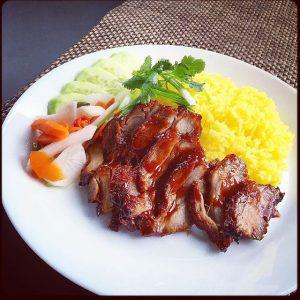 Đình Ngang nổi tiếng với cơm gà xá xíu