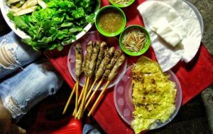 Bánh xèo 172 Đội Cấn là địa chỉ bánh xèo ngon, nổi tiếng và lâu đời nhất tại Hà Nội.