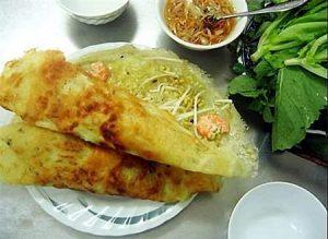 Bánh xèo Đê Nguyễn Khoái là địa điểm vô cùng lý tưởng khi thưởng thức món bánh xèo vào mùa hè.