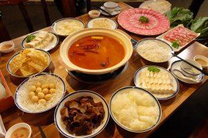 Lẩu dê Tứ Xuyên là món ăn hút khách nhất tại Sừng Quăn.