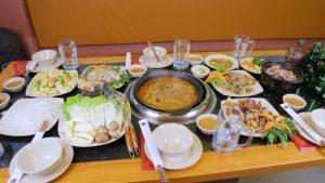 Bạn có thể thưởng thức nhiều món ăn hấp dẫn tại Dê Phừng.