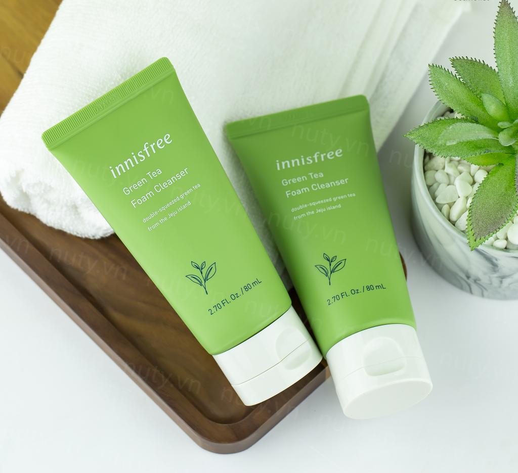 Innisfree Green Tea là sữa rửa mặt cho da dầu nhờn hàng đầu hiện nay