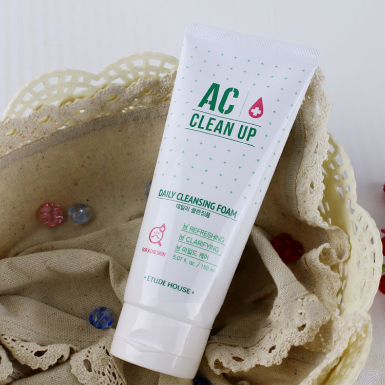 AC Clean Up Daily Acne Cleansing Foam trị mụn tốt