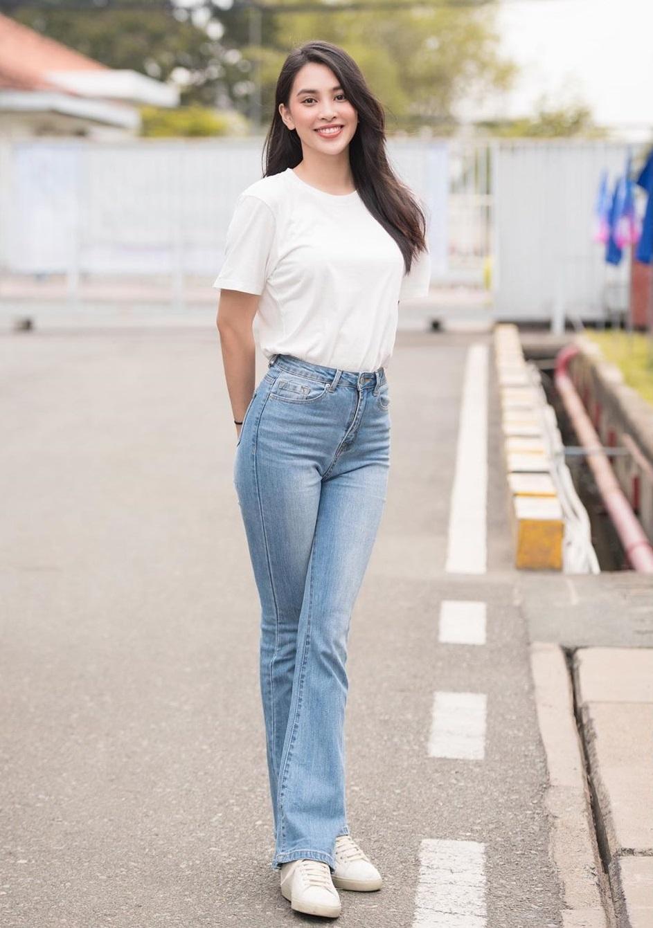 Quần jeans và áo thun