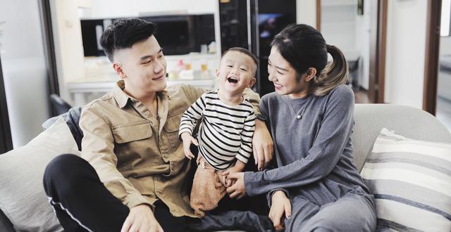 vợ chồng trẻ vẫn hạnh phúc với lựa chọn kết hôn sớm