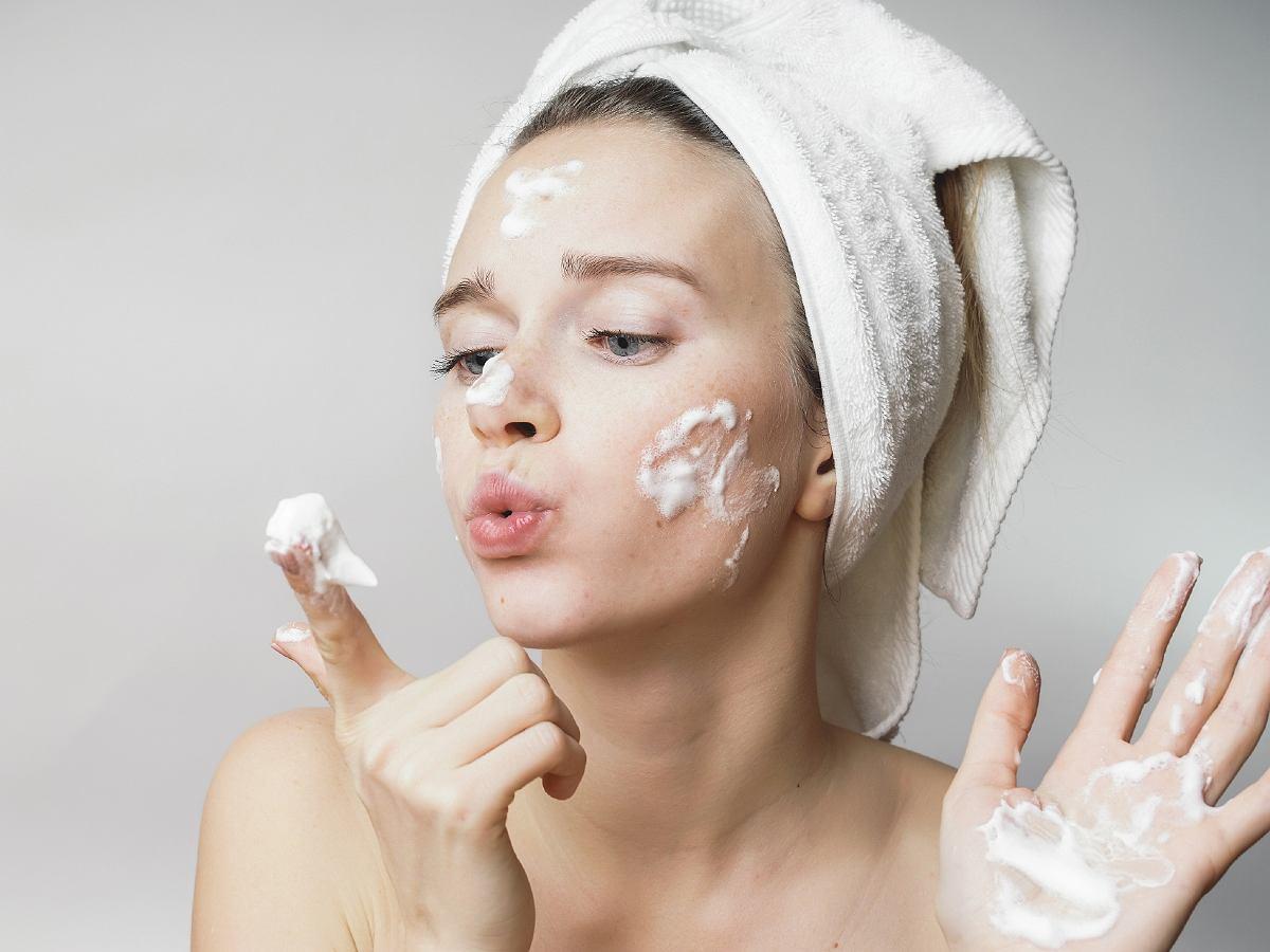 sữa rửa mặt cho da nhạy cảm 1