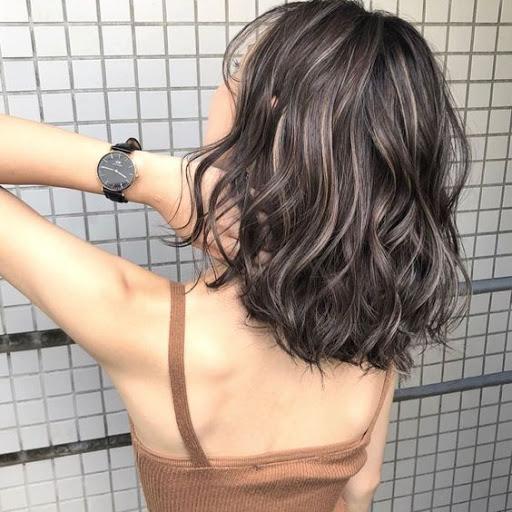 tóc ngắn uốn 18