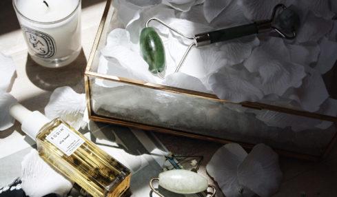 cây lăn massage mặt jade roller