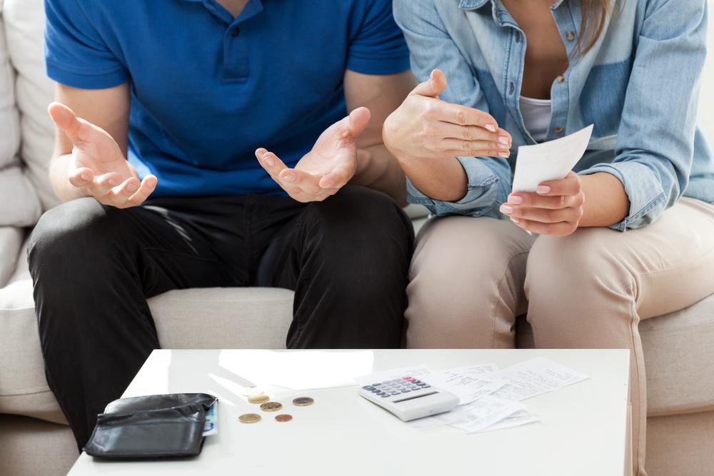 tranh cãi về tài chính gia đình